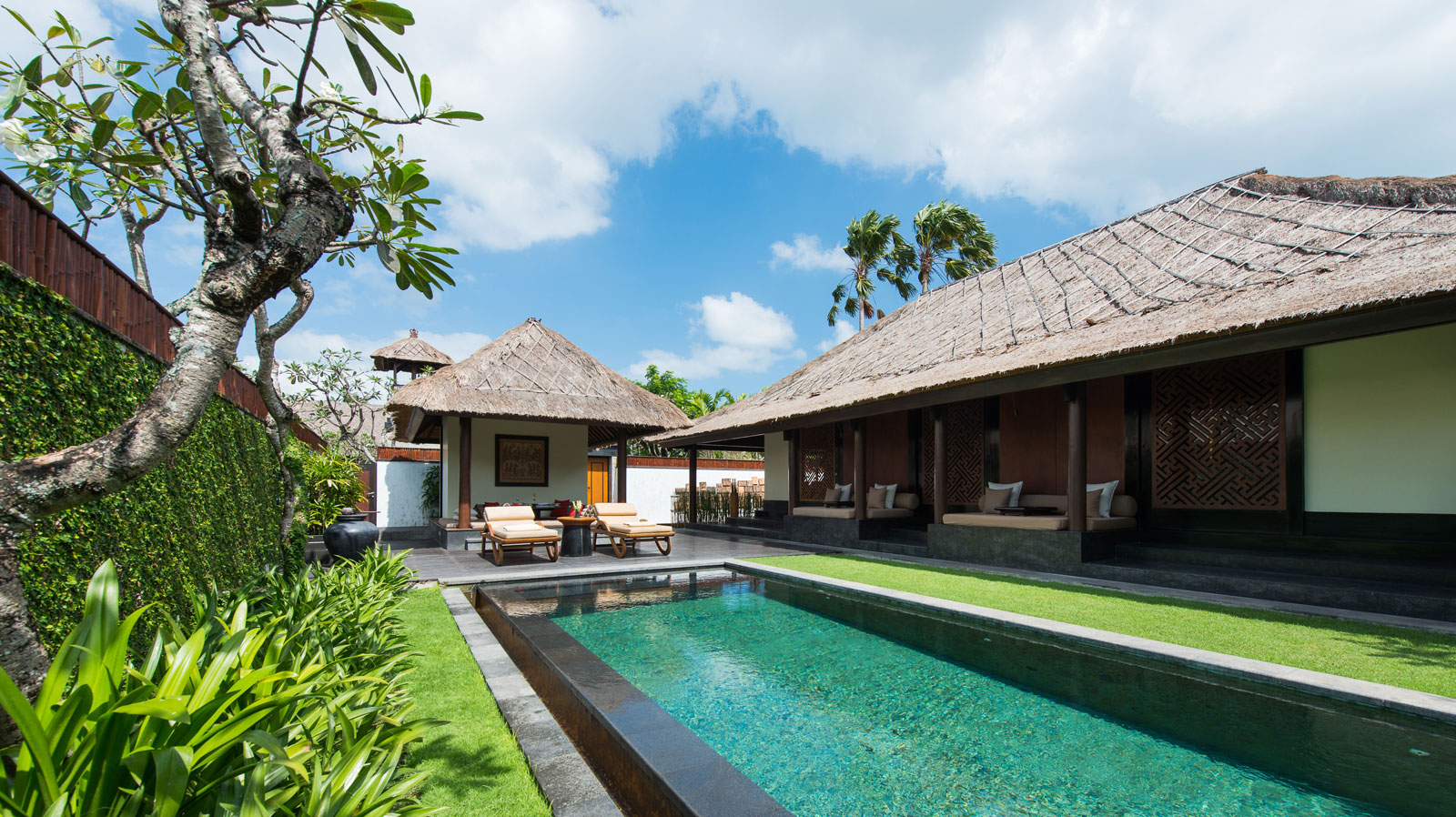 The legian bali and the club at the legian bali the for Pool design bali